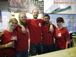 """Das Team der Brauerei """"Der Belgier"""" hatte einige besondere Biere im Angebot auf dem Craft Bier Fest 2018 in Wien"""