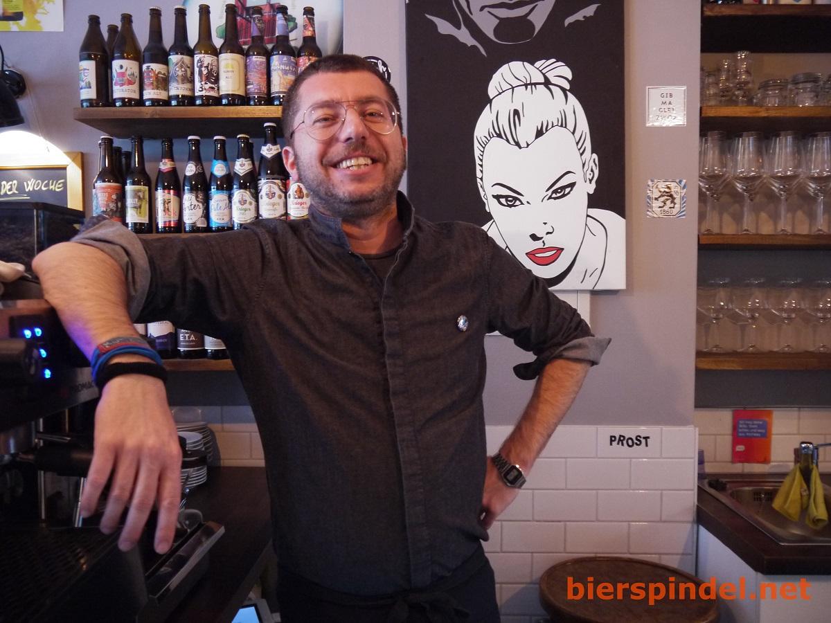 Gianluca, der Besitzer des Ambar Bistro.