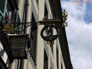 Der Brauerstern als Ausschankzeichen bei Schlenkerla.